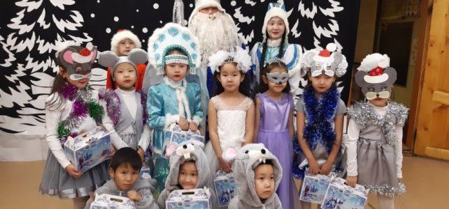 Новогодние праздники в школе